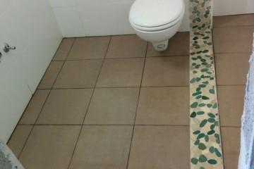 חדרים רטובים – שיפוץ קומפלט של חדרי שירותים ציבוריים. בניין מס הכנסה, באר שבע